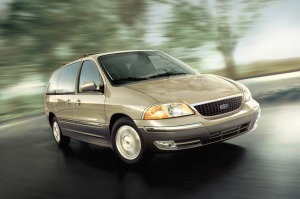 Windstar takes on the aerodynamic shape that the Taurus brought to the North American market in the mid-1980s. Its front-wheel-drive design eliminates the interior drivetrain tunnel and allows Ford to provide passenger packaging not seen in its Aerostar, a good but not stellar performer.
