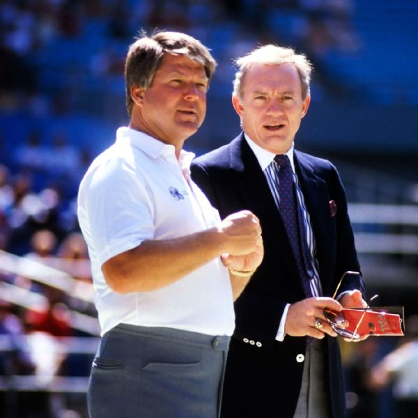 Jerry Jones and Jimmy Johnson